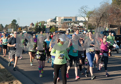 Runners head north on Old Jacksonville Highway at the start of the Fresh 15 15k race Saturday March 5, 2016 in Tyler.   (Sarah A. Miller/Tyler Morning Telegraph)