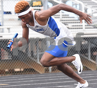 John Tyler senior Duntayviun Gross competes in the 400 meter relay Thursday at the 15/16-5A Track and Field Championships held in Whitehouse Thursday April 21, 2016.  (Sarah A. Miller/Tyler Morning Telegraph)