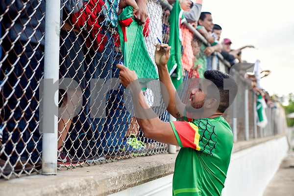 Mexico's Daniel Antunez signs a fan's jersey after a soccer game at Christus Trinity Mother Frances Rose Stadium in Tyler, Texas, on Sunday, April 2, 2017. Mexico beat Honduras 3-2. (Chelsea Purgahn/Tyler Morning Telegraph)