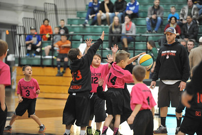 5 Cities Youth Basketball at a Cal Poly Men's Basketball game. Dec. 14, 2013. Photo by Ian Billings
