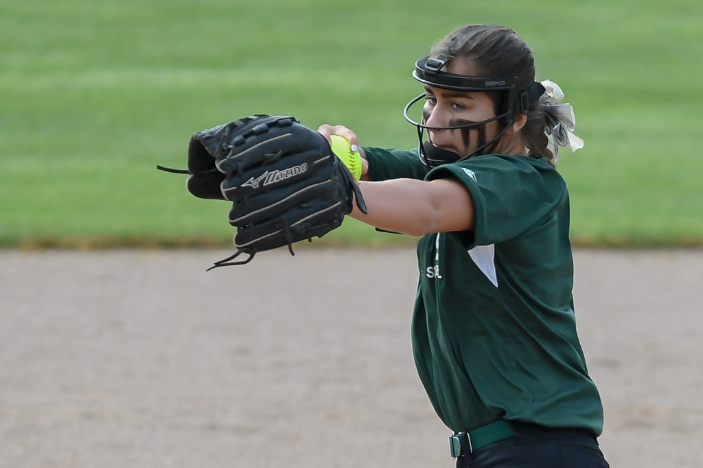 . Elyria Catholic\'s Ashley Cascio pitches against Oberlin. Eric Bonzar � The Morning  Journal
