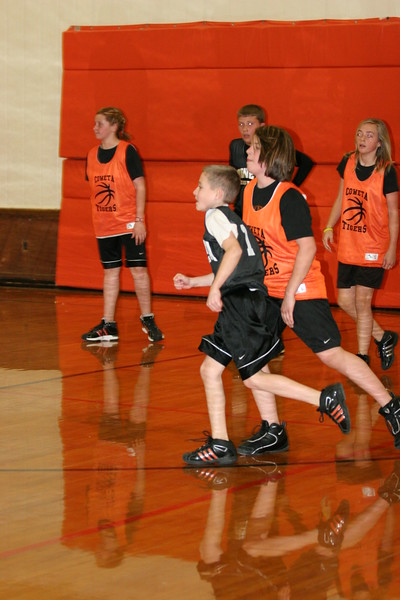 b-ball 6th girls tigers team w08-09 078