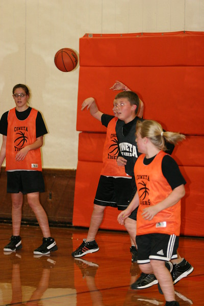 b-ball 6th girls tigers team w08-09 073