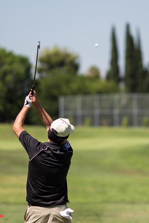 IMAGE: http://www.joonrhee.com/Sports/6070-Golf-at-Royal-Vista/i-LN5KCCH/0/XL/AG9A0659-L.jpg