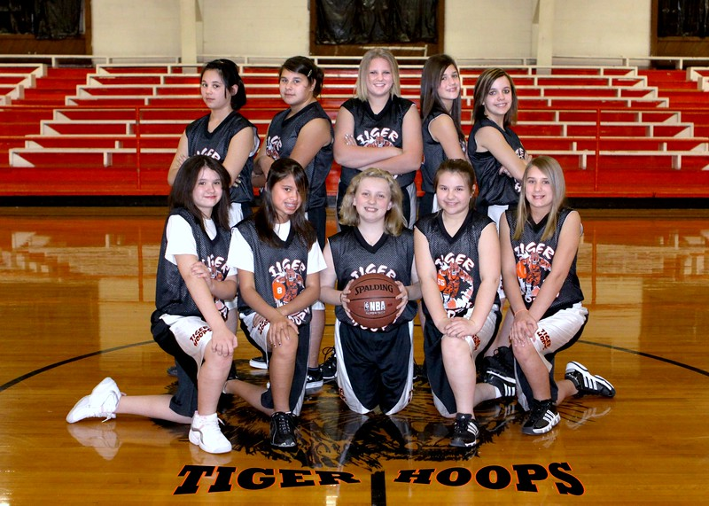 Copy of b-ball  6th girls buckner w08-09 077