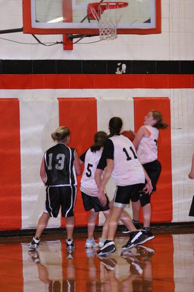 b-ball 6th girls tigers gm 6 w08-09 035