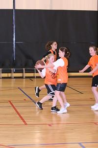 b-ball 6th girls tigers gm 7 w08-09 046
