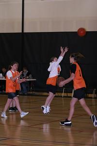 b-ball 6th girls tigers gm 7 w08-09 002