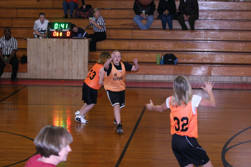 b-ball 6th girls tigers w08-09 004