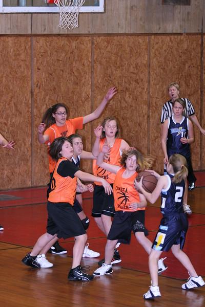 b-ball 6th girls tigers w08-09 013