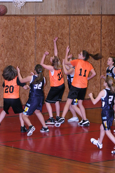 b-ball 6th girls tigers w08-09 012