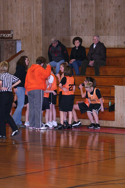 b-ball 6th girls tigers w08-09 031