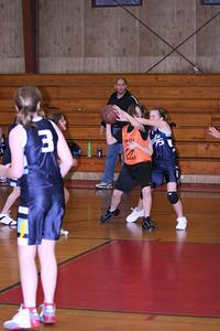b-ball 6th girls tigers w08-09 034