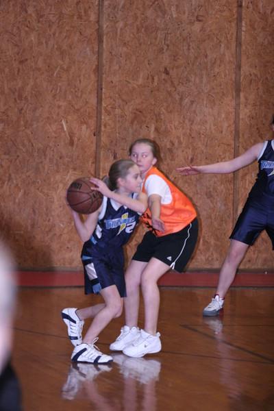 b-ball 6th girls tigers w08-09 029