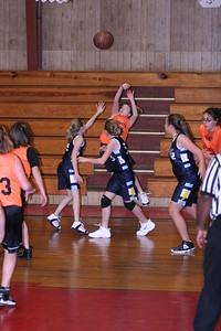 b-ball 6th girls tigers w08-09 021