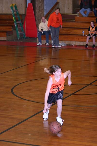 b-ball 6th girls tigers w08-09 014