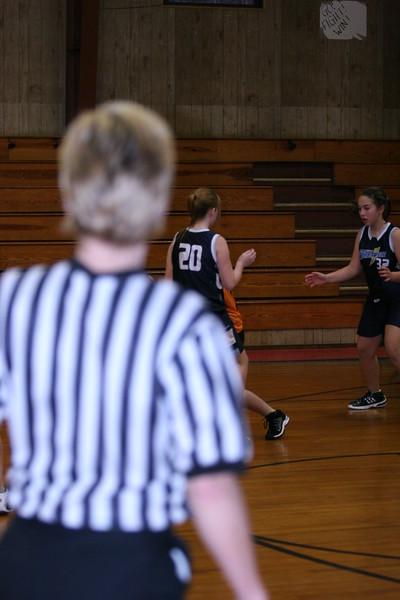 b-ball 6th girls tigers w08-09 046