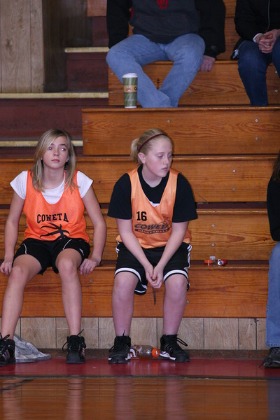 b-ball 6th girls tigers w08-09 041