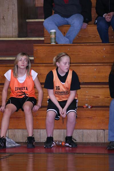 b-ball 6th girls tigers w08-09 041