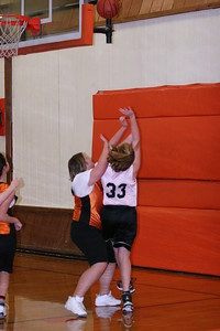 b-ball 6th girls tigers gm 8 w08-09 020