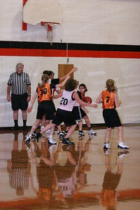 b-ball 6th girls tigers gm 8 w08-09 018