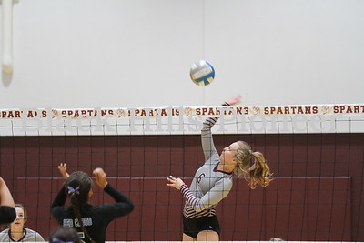 8-28-18 Red Cloud volleyball @ Spearfish
