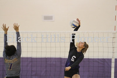 8-30-18 Custer volleyball @ Belle Fourche