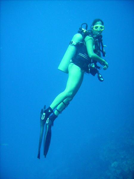 DIGITAL CAMERA<br /> Ana Zangroniz enjoys a scuba outing in Roatan, Honduras