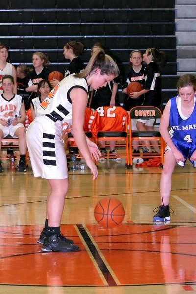 b-ball 8th-9th girls 2-09 019