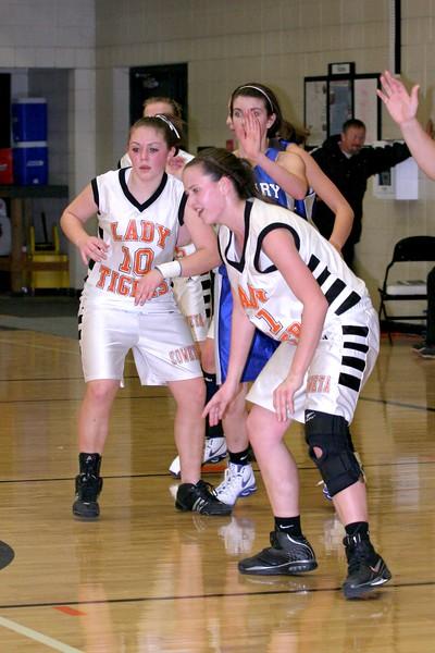 b-ball 8th-9th girls 2-09 024