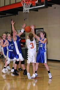b-ball 8th-9th girls 2-09 042