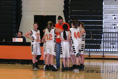 b-ball 8th-9th girls 2-09 030