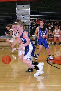 b-ball 8th-9th girls 2-09 034