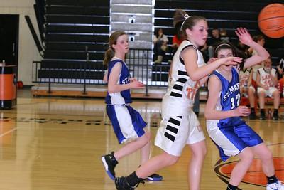 b-ball 8th-9th girls 2-09 008