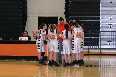 b-ball 8th-9th girls 2-09 029