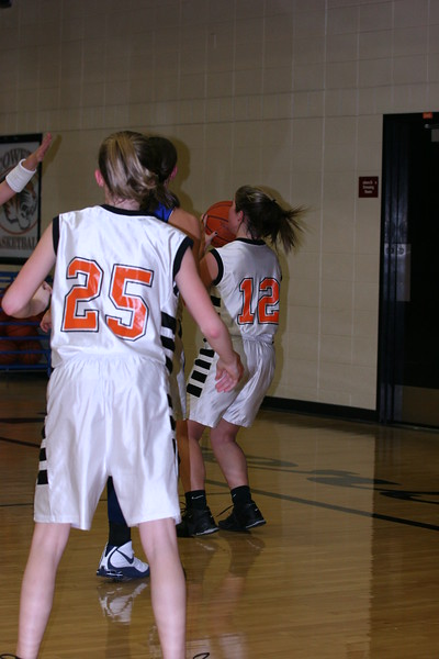 b-ball 8th-9th girls 2-09 003