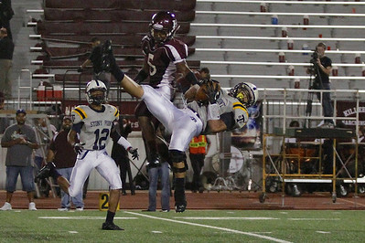 Stony Point's Joseph Marrero's makes a catch against Killeen Friday at Leo Buckley Stadium.