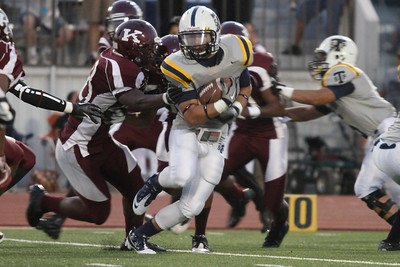 Stony Point's Wes Moore makes a run against Killeen Friday at Leo Buckley Stadium.