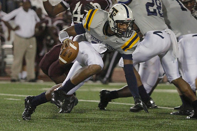 Stony Point's Damian Lindley makes a run with the ball against Killeen Friday at Leo Buckley Stadium.