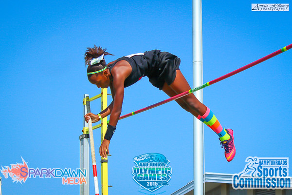 With this jump, Jaisan Avery breaks her own and sets the National Record for Girls 13 yo Pole Vault Aug 2015.    © SparkDawn Media sparkdawn.com