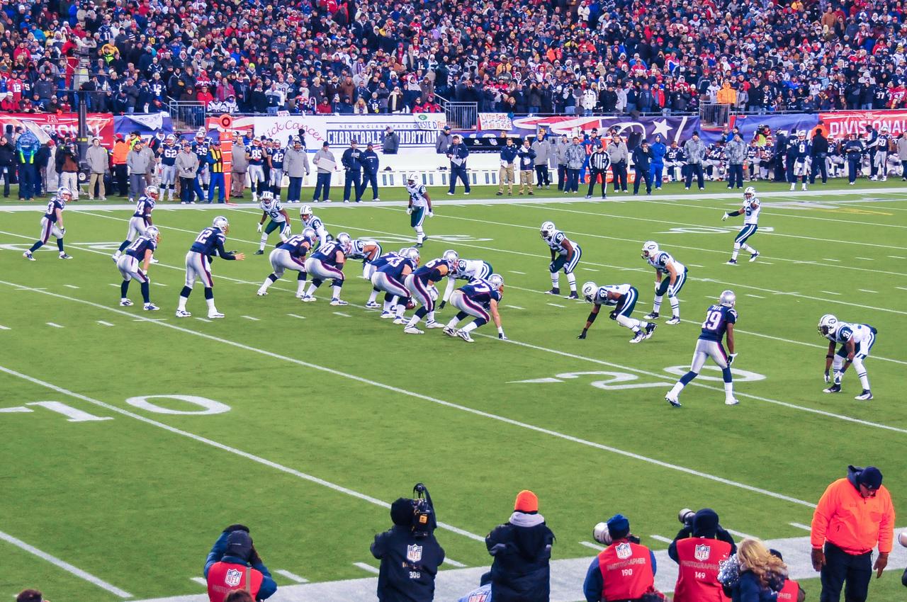 Tom Brady in shotgun, Gillette Stadium - 16 January 2011
