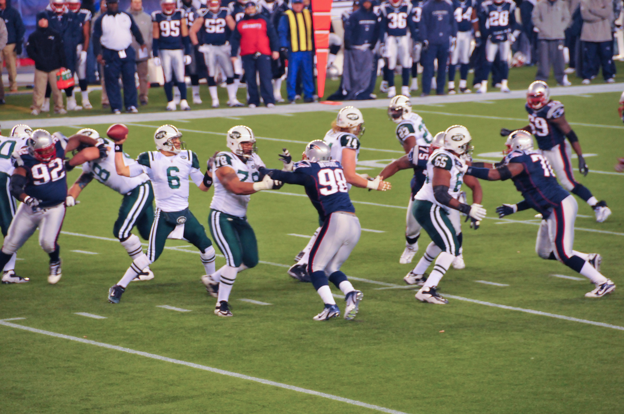 March Sanchez in pass-play, Gillette Stadium - 16 January 2011