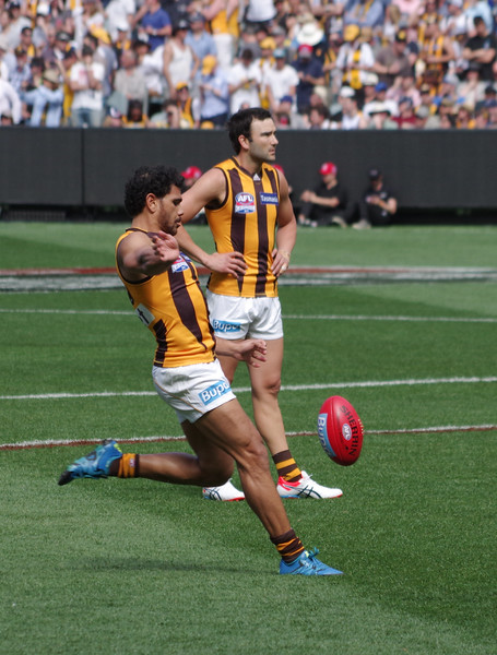 Rioli warms up