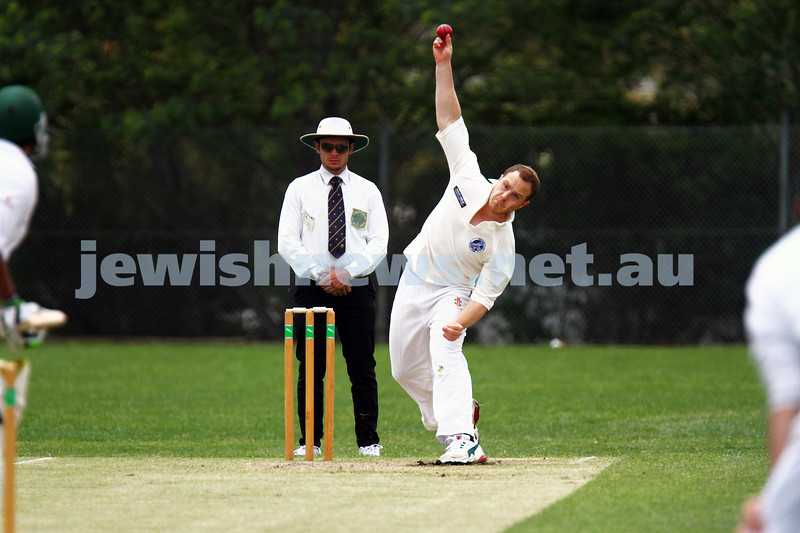 10-11-13. Cricket. AJAX first XI v Monash at Monash University. Zev Aron. Photo: Peter Haskin