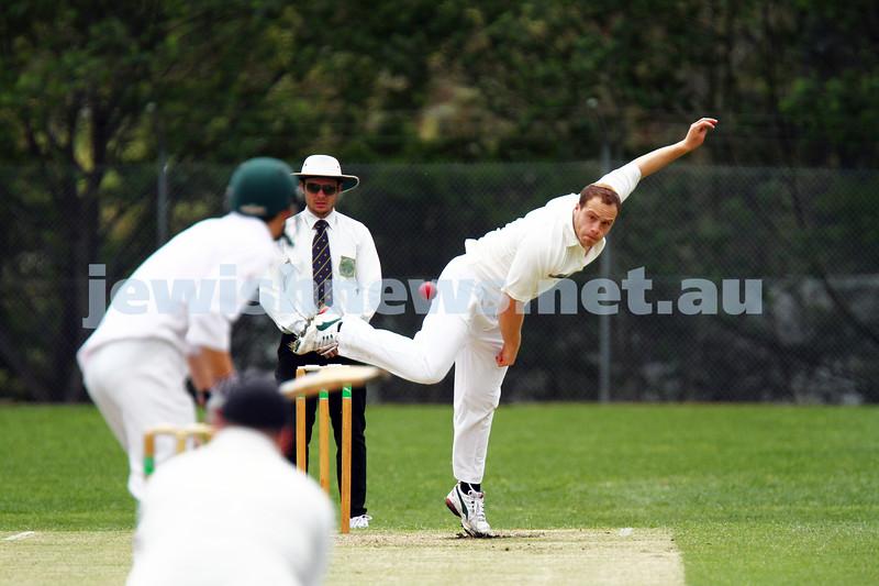 10-11-13. Cricket. AJAX first XI v Monash at Monash University. Zev Aron. Photo: Peter Haskin