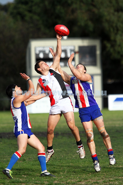 AJAX v Oakleigh. 26-5-12. Photo: Peter Haskin