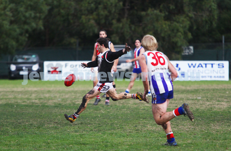 AJAX v Oakleigh. 26-5-12.  Eugene Roitman. Photo: Peter Haskin