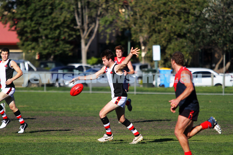 21-7-212. AJAX v Old Brighton at Brighton Beach Oval. David Fayman. Photo: Peter Haskin