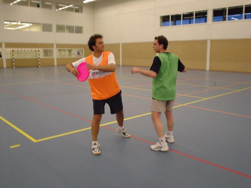 Wim and José Luis demonstrating the process of marking a player very well