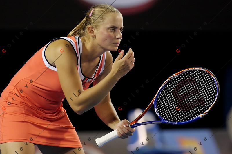 2010 Australian Tennis Open - DOKIC, Jelena (AUS) vs KLEYBANOVA, Alisa (RUS) [27] - [photographer] Mark Peterson - 1469